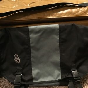 Timbuk2 Messenger Bag. Large w/ Grid It Insert